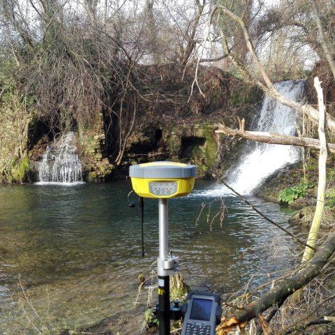 rilievo GPS del sito di una turbina idroelettrica